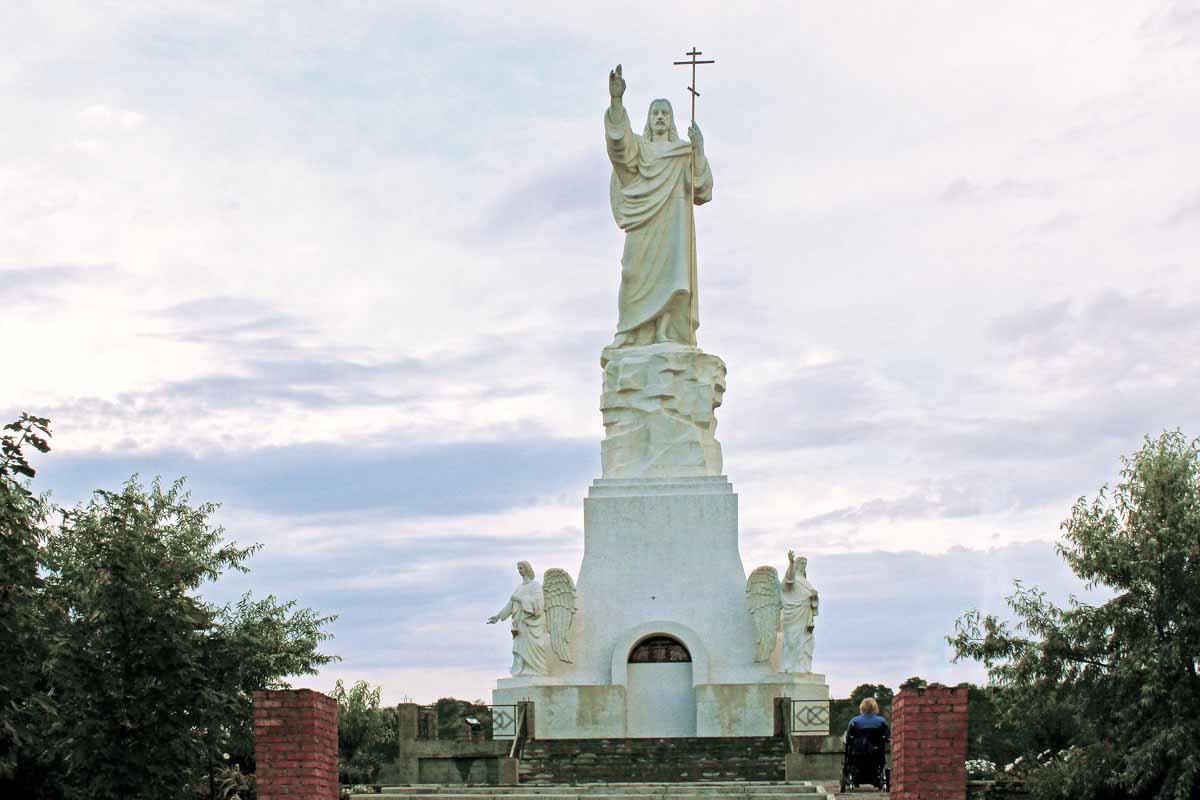 Самая высокая статуя Иисуса Христа в России