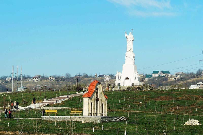 Самая высокая статуя Христа в России