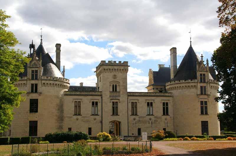 В настоящее время замком владеет семья Кольбер, которая получила владения от брака Бернарда Кольбера с Шарлоттой де Дрё-Брезе.