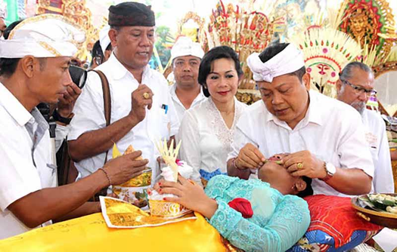 . Жители Индонезии думают, что в каждом сидит демон, которого нужно обязательно обуздать