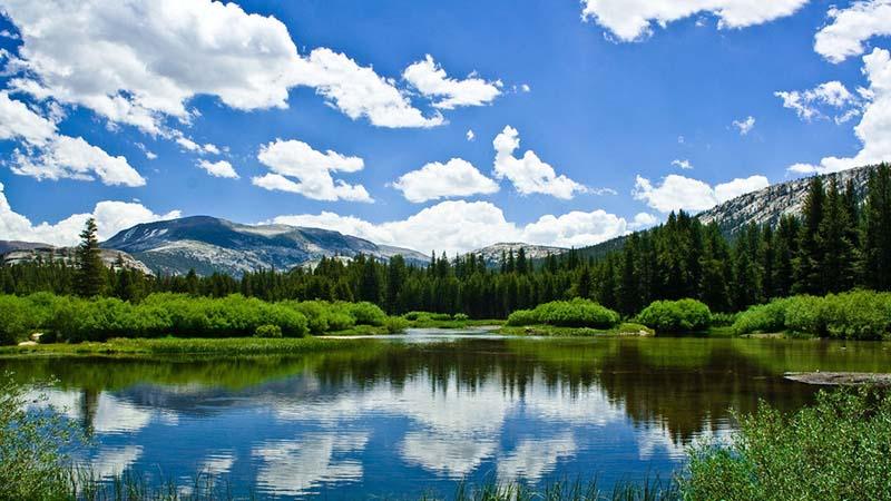 С чем связано название озера севан