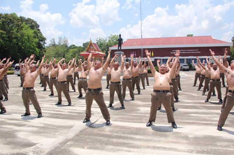 Проблема лишнего веса среди полицейских  в Таиланде,