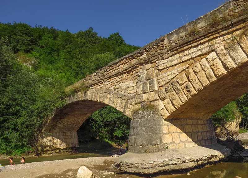 Мост получился очень прочным.