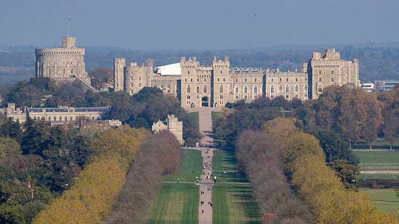 Сама Елизавета II любит находиться в своей загородной резиденции.