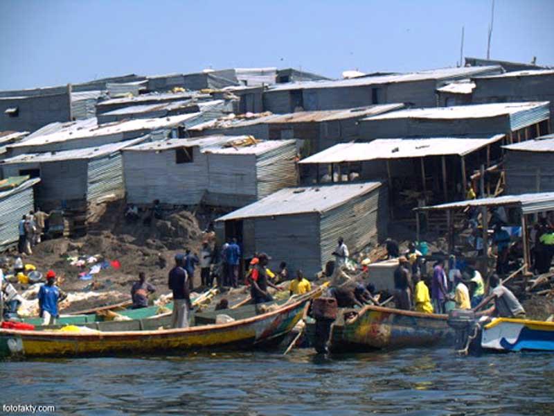 Площадь Мгинго около 2 километров, а количество жителей близится к 400 человек.