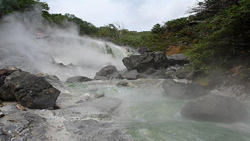Река, вода которой постоянно кипит