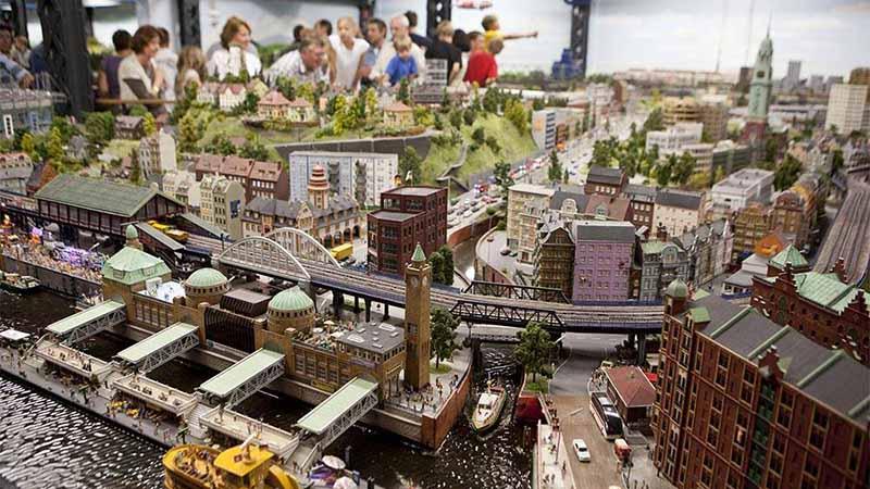 Миниатюрная страна чудес в Гамбурге с реалистичными и действующими макетами