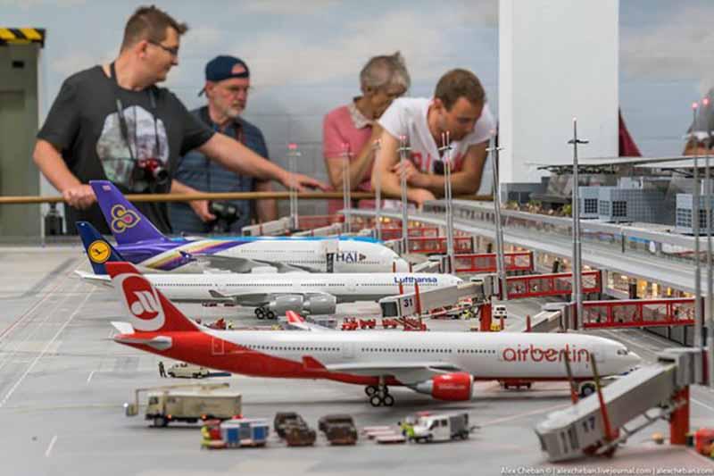 макет аэропорта вымышленного города Кнуффинген.