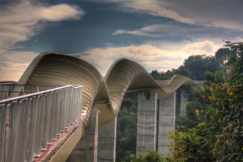 Красивейший мост «Волны Хендерсона» в Сингапуре