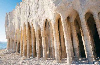 Каменные колонны в Америке, созданные природой