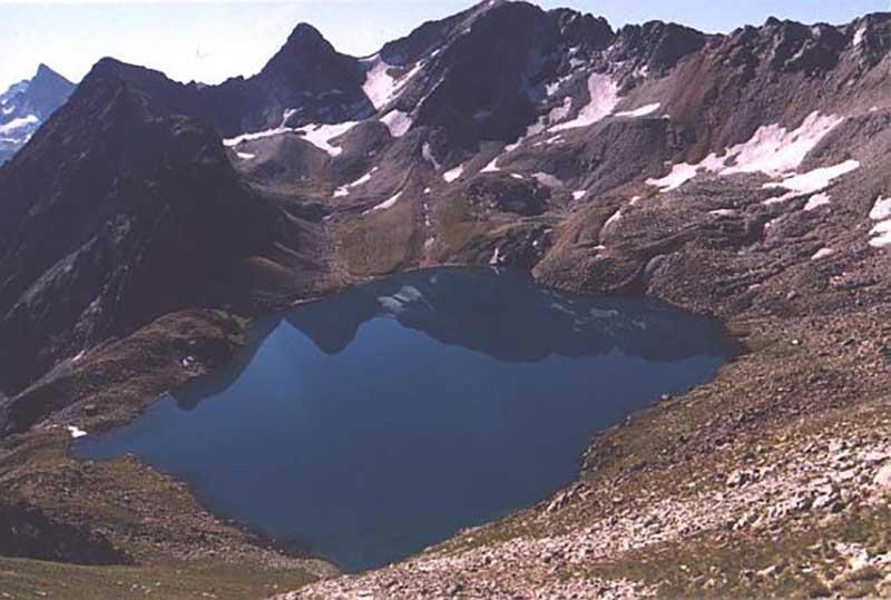 Удивительно, но существует ли озеро на самом деле? На многих сайтах написано, что оно расположено близ города Сиди-Бель-Аббес